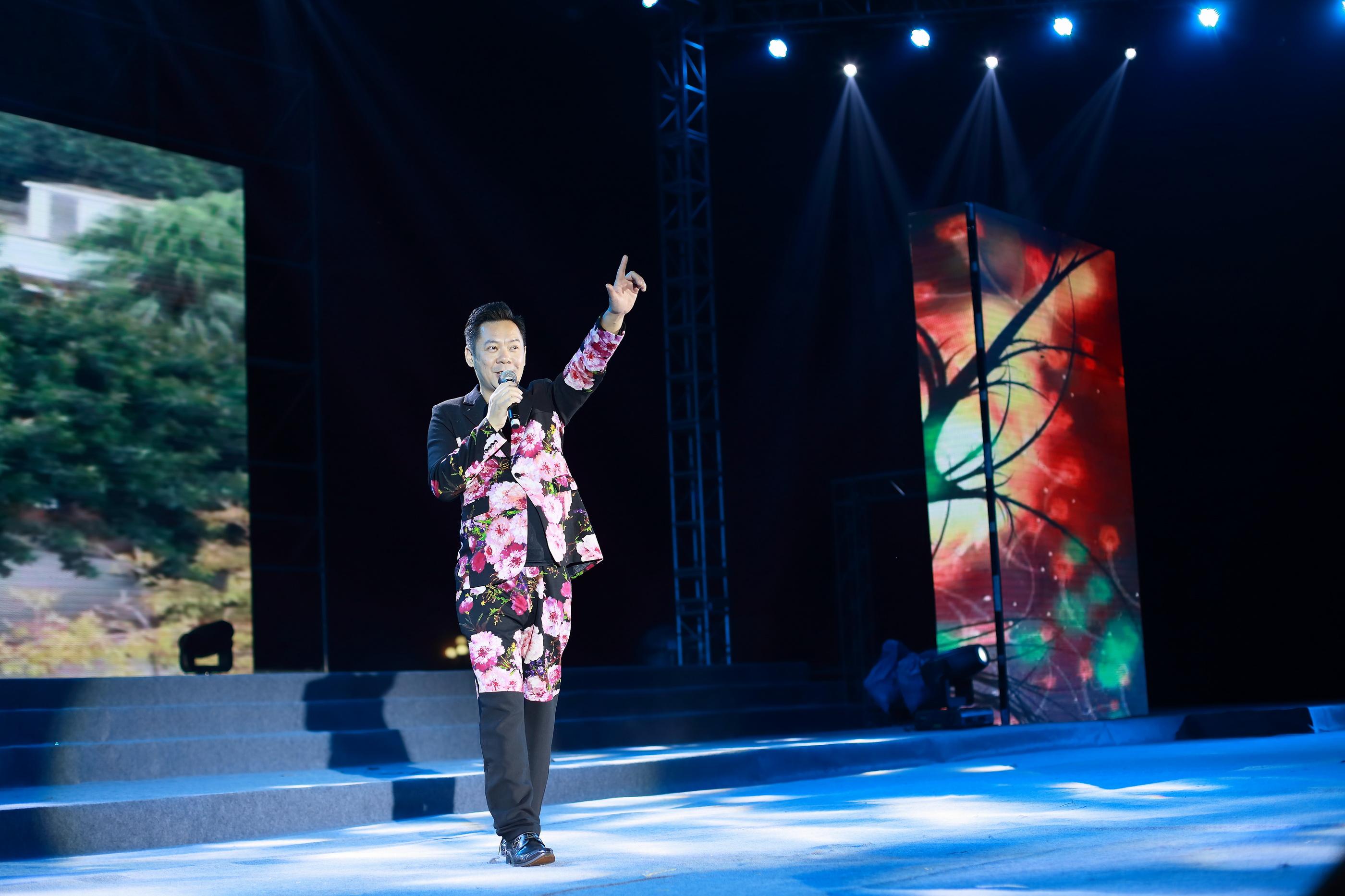 著名歌手李永权演唱:《岁月如歌》、《情侣路》.JPG